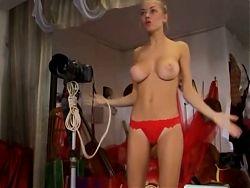 Alina Buryachenko shows her beautiful big tits