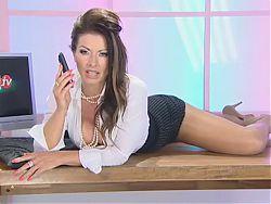 Lynda Leigh - British Milf