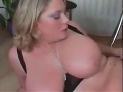 Stunning curvy MILF in stockings gets nicely fucked